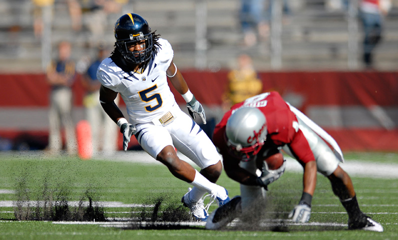 Cal cornerback Syd'Quan Thompson chases down Wazzu receiver Brandon Gibson