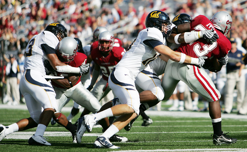 1D Mark II, 70-200: Cal defenders team up to bring down Washington State RB Christopher Ivory